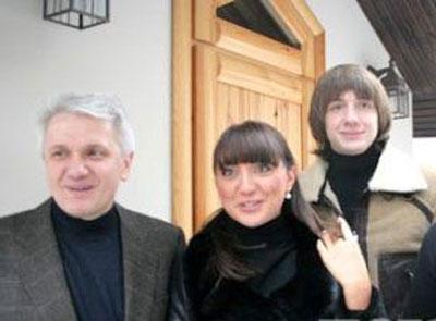 Владимир Литвин с дочерью Еленой и сыном Иваном.
