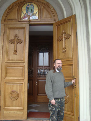 Анатолий Осипцов - бывший руководитель ВЦ облстата. Теперь церковный сторож