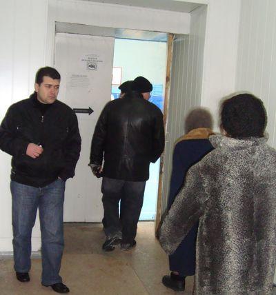 Грузин на избирательном участке в Донецке