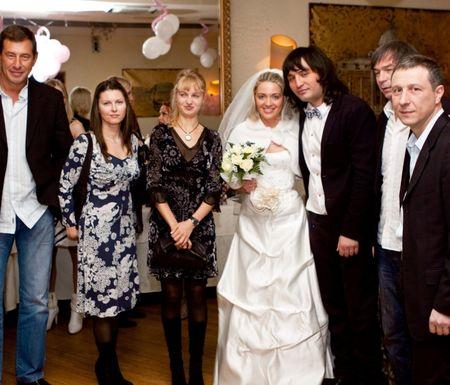 http://donbass.ua/multimedia/images/content/2010/03/17/rustam_solntsev_svadba_5.jpg