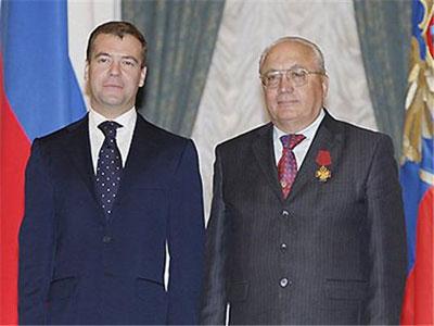 Медведева отфотошопили