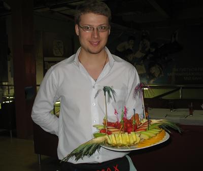 Официант фитнес-кафе клуба SportMax Юрий Мезеря