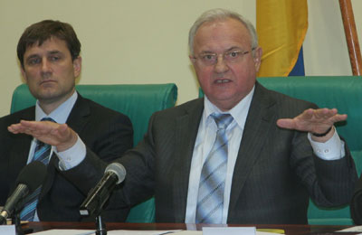 Анатолий Близнюк заряжает мэров на работу.