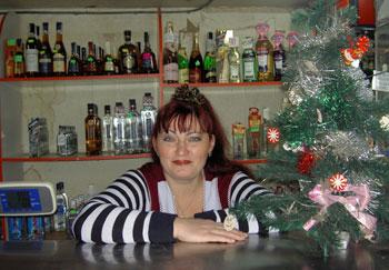 Елена Ляшкова готова к девятому Новому году на работе.