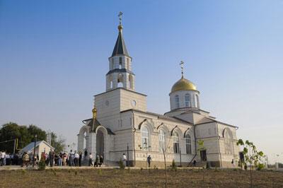 собор в честь Божьей Матери в с. Бугас Волновахского района.