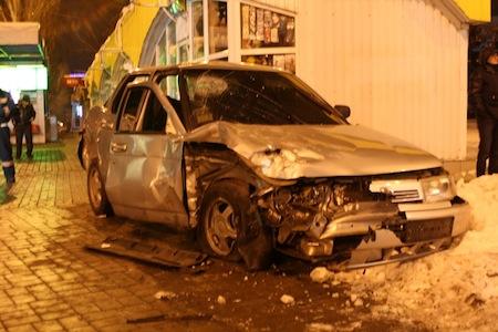 ДТП в Донецке. Столкнулись Лада и Toyota Prado