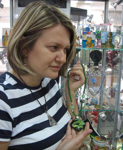 Мария Тулинова и ее ювелирные ноу-хау - миниатюры на полудрагоценных камнях.