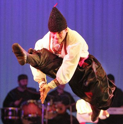 Грузины поставили украинский танец специально для наших зрителей, которых они очень любят.