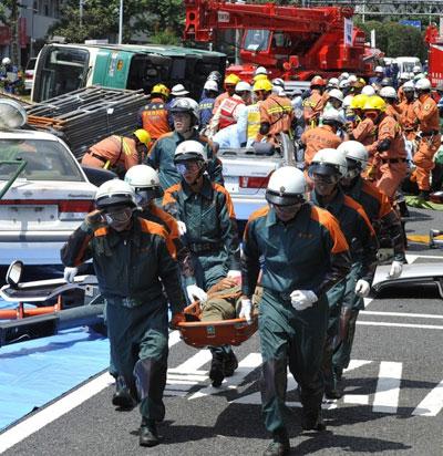 Цунами и землетрясение в Японии: количество жертв растет