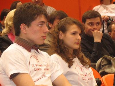 Волонтеры Донбасс Арены: против курения