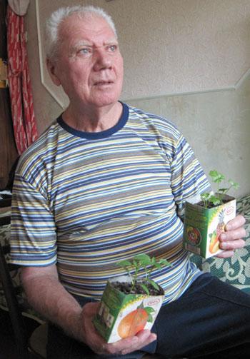 Владимир Жевлатов гордится своей рассадой сельдерея и перца: Весь секрет в талой воде и органических подкормках!