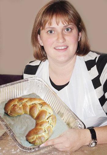 Вот такой Швабский венок получился у Ларисы Акимовой, которая советует готовить угощения для пасхального стола только со светлым настроением.