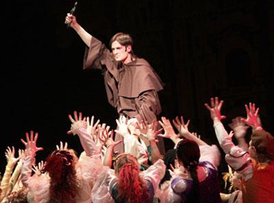 Мюзикл о судьбе Леонардо да Винчи, созданный авторами хитов Киркорова и Баскова, в Украине можно будет посмотреть только в одном театре - донецком.