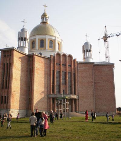 В Новом Раздоле скоро откроется Владимирский храм.