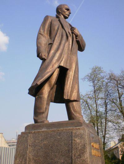 Львов - памятник Степану Бандере