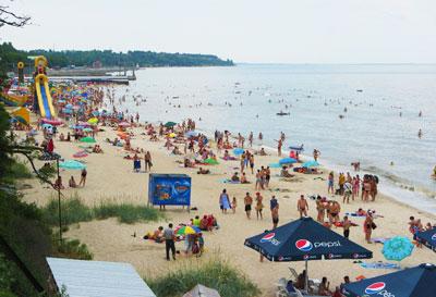 Урзуф считается одним из лучших курортов на побережье Азовского моря, поэтому и отдыхающих здесь намного больше, нежели в других зонах отдыха.