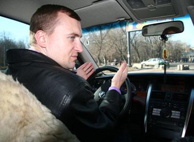 Андрей Ляшенко предпочитал неформальное общение - даже интервью Донбассу он давал за рулем собственной машины.