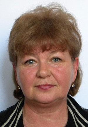 Емченко Наталья Леонидовна, 58 лет. Машинист подъемных машин в энергомеханической службе. На шахте отработала тридцать два года.