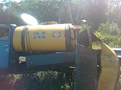 Под Мариуполем молоковоз столкнулся с электричкой