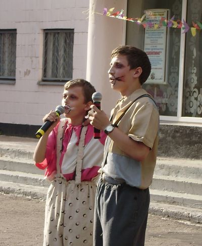 Белый мышонок Игорь Сильченко и мышонок серый Денис Суханов