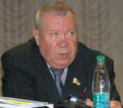 Объяснения Валентина Лукьянова с трибуны были встречены не только вопросами, но и упреками.