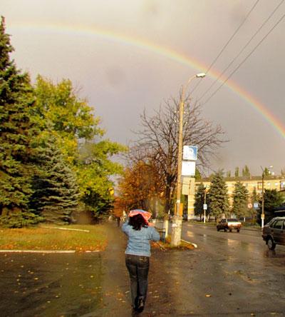 На Покрова самый зимний город Донецкой области - Снежное - украсила радуга!