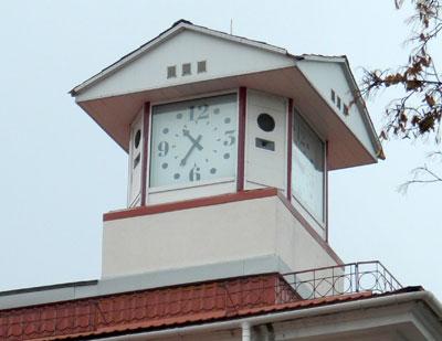 По городским часам артемовцы сверяют свое время уже 28 лет.