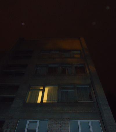 окна выбило взрывом