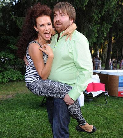 Эвелина Блёданс рассчитывает на то, что третий муж Александр Сёмин будет носить ее на руках до глубокой старости!