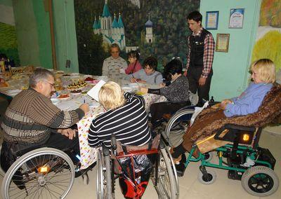 инвалиды-колясочники присоединились к марафону написания