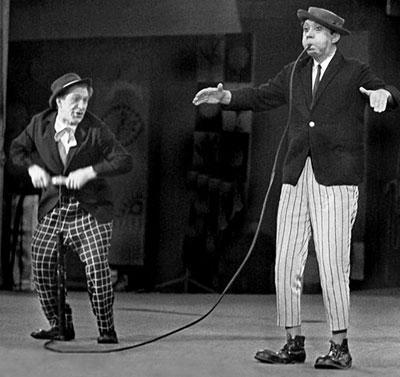 Михаил Шуйдин и Юрий Никулин на арене цирка.