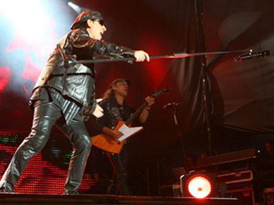 Сентябрь.  Концерт года: Scorpions без охраны