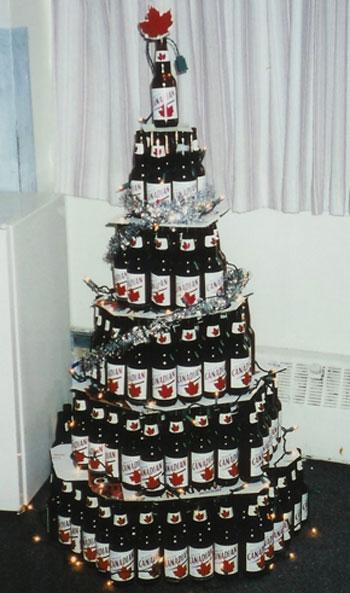 Новогодняя елка из бутылок