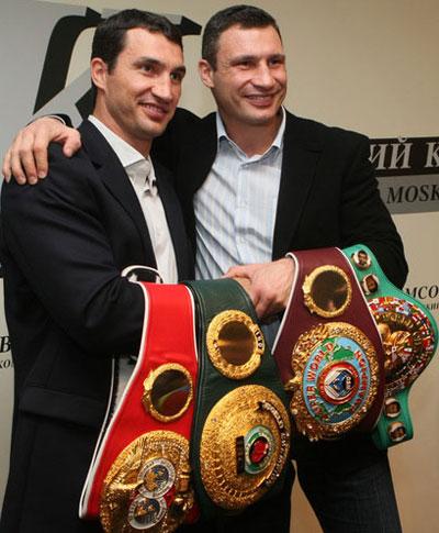 Владимир и Виталий Кличко опоясались полностью.