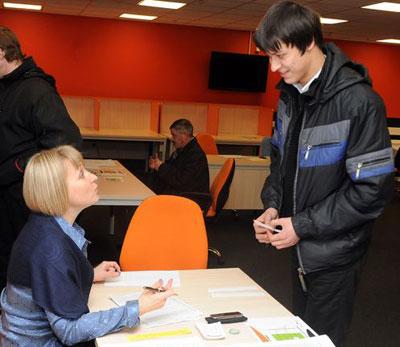 Все старики стюарды проверку прошли на отлично, - уверяет Наталья Иваненко.