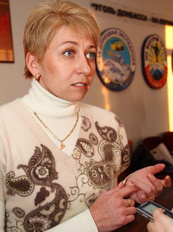 Юлия Сапожкова рассказывает корреспонденту «Донбасса», как при помощи потертой резины заштопать дырки в бюджете.