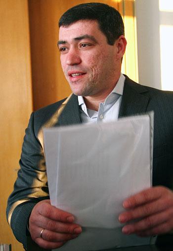 Вскоре хозяйки Великоновоселковского района смогут покупать родной» хлеб, - улыбается Артем Дмитриев.