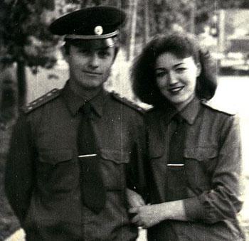 Капитан Тимофеев и сержант Тимофеева. Керкинский погранотряд, 1988 год.
