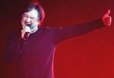 Юрий Шевчук оценил реакцию донецкой публики на новые песни и любовь к старым хитам.