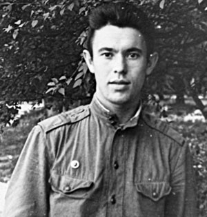 Служил Виктор Логачёв с 63 по 66-й, причем последние два года - в Польше, в вертолетном полку, который обслуживал штаб Северной группы войск. Там же начал писать, печатался в армейской прессе.