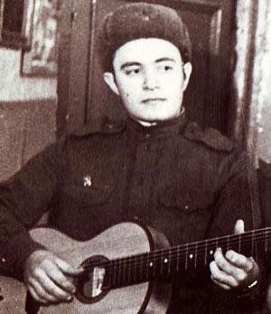В 1965 году Виктор Ваценко выступал в Московском ансамбле.