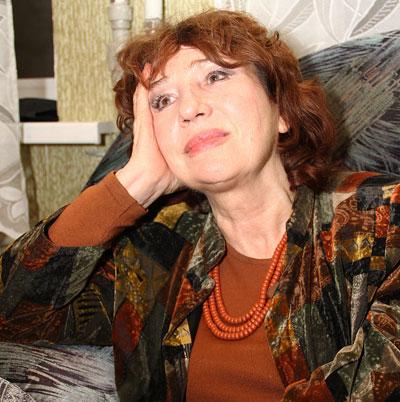 Елена Камбурова всерьез задумалась о том, чтобы летний отдых проводить не под Рязанью, а в Донбассе.