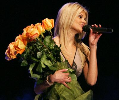 Михаил Круг не хотел, чтобы Ирина пела. Она сделала это лишь после его смерти (на фото - во время концерта в Донецке в марте 2010-го).