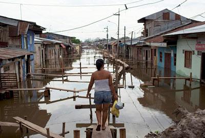 Многочисленные затопления в Перу вынудили более 20 тысяч семей покинуть свои дома.