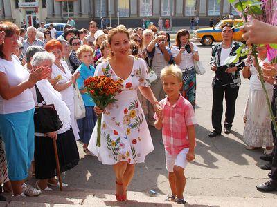 Ольга Будина приехала в Макеевку вместе с сыном Наумом.  «Мы используем каждую возможность, чтобы побыть вместе!» - рассказала «Донбассу» известная актриса.