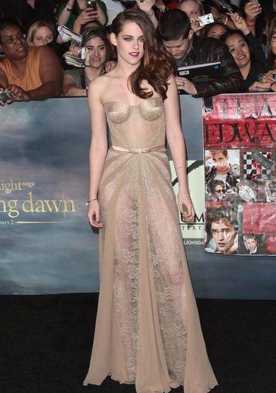 Кристен Стюарт в новом безумном платье