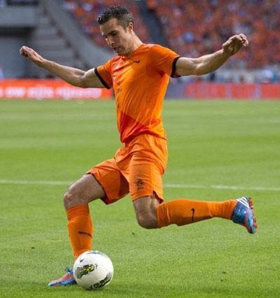 Нападающий сборной Голландии Робин ван Перси