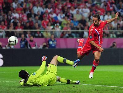 Роман Широков забивает второй гол.