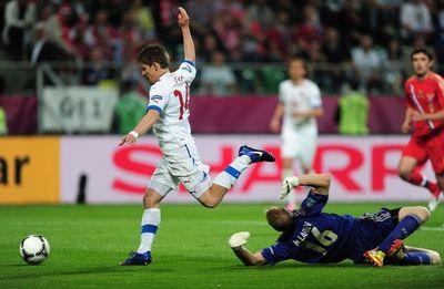 Вацлав Пиларж обходит Вячеслава Малафеева и сокращает счет в поединке.