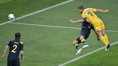 Андрей Шевченко забивает гол на Евро-202
